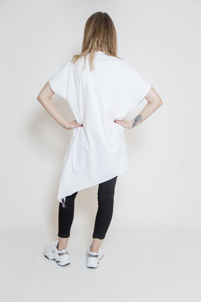 Długi T-shirt z asymetrycznym dołem - widok tył