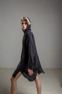 delcane sukienka jedwabna TOKYO black her bok