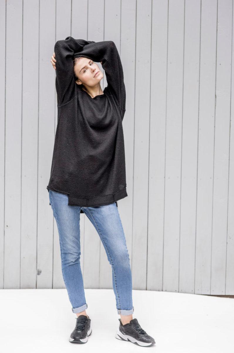 czarny sweterek Kopenhaga Gray front cały