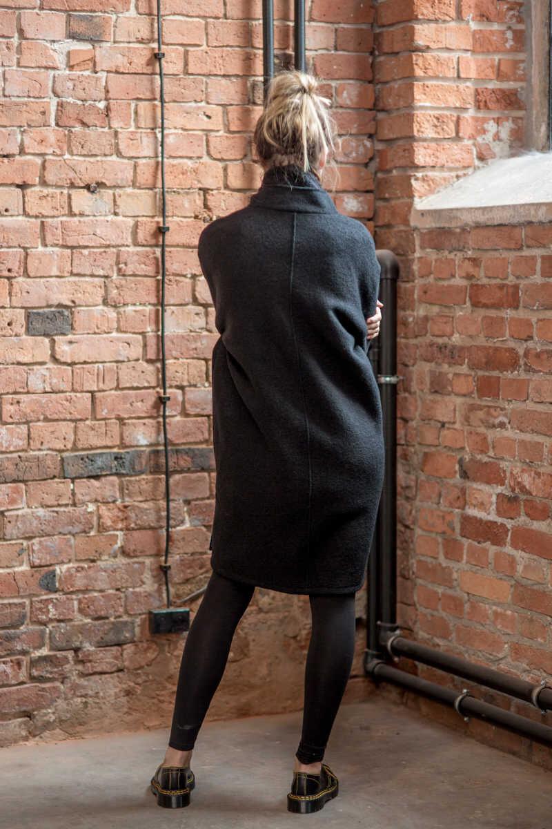 płaszcz-delcane-amsterdam-balck-z-suwakiem-tyl