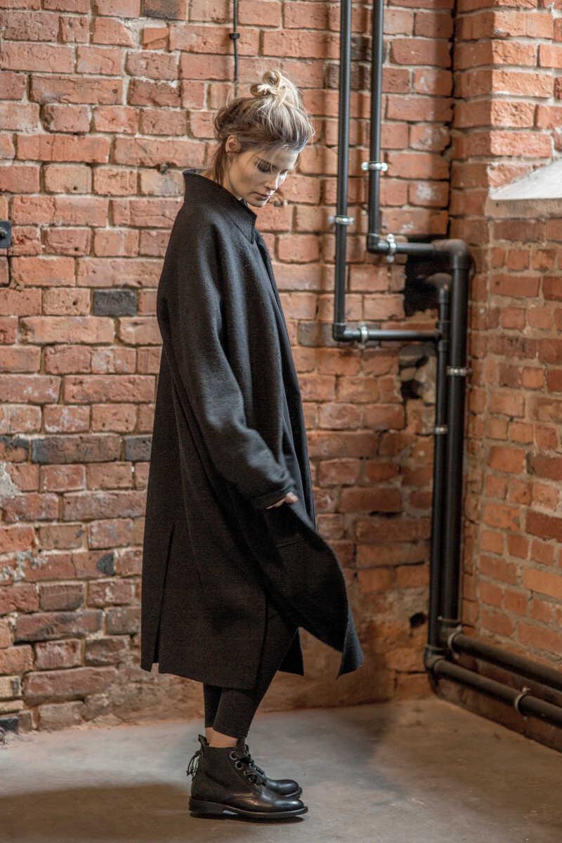 płaszcz-wełniany-delcane-amstrdam-black-_-bok bez paska