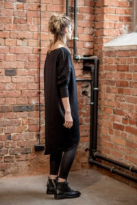 sukienka-czarna-amsterdam-black-prawy bok