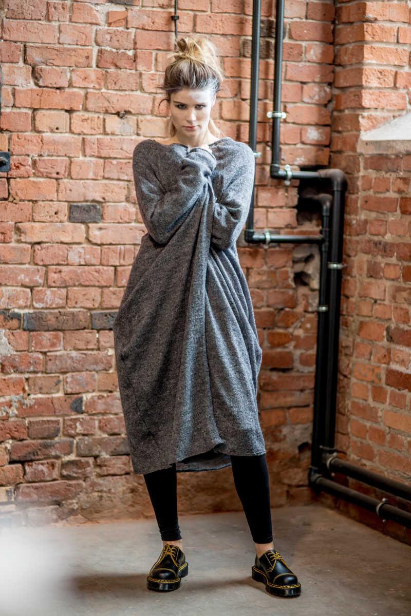 szary-dlugi-sweter-amsterdam-gray-II przod 2