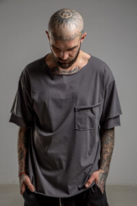 Delcane tshirt z dwoma rekawkami tokyo gray man przod 1m