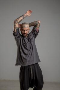Delcane tshirt z dwoma rekawkami tokyo gray man przod 2m