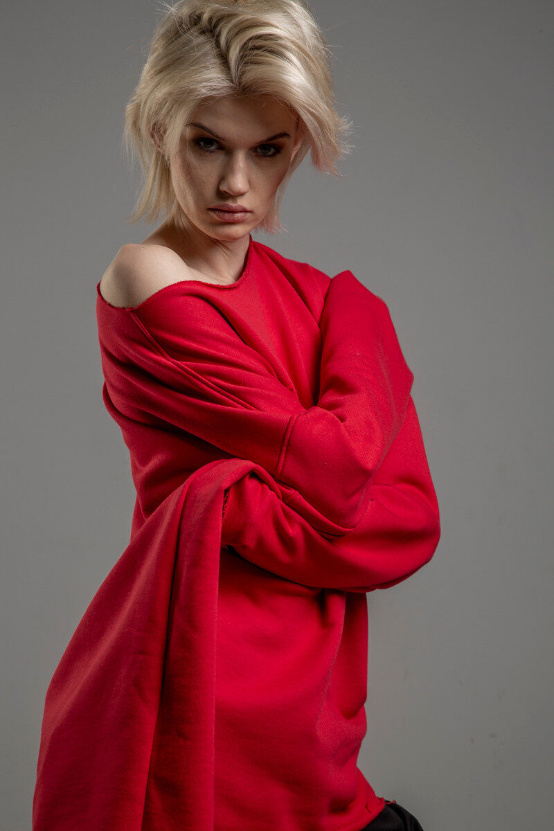 czerwona bluza delcane oversize cotton TOKYO red bok 2m