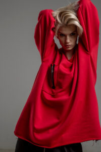 czerwona bluza delcane oversize cotton TOKYO red przod 5m