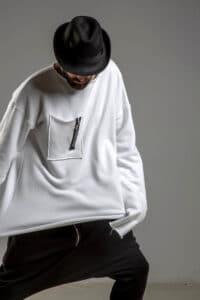 delCane Biala bluza bawelniana przez glowe przod