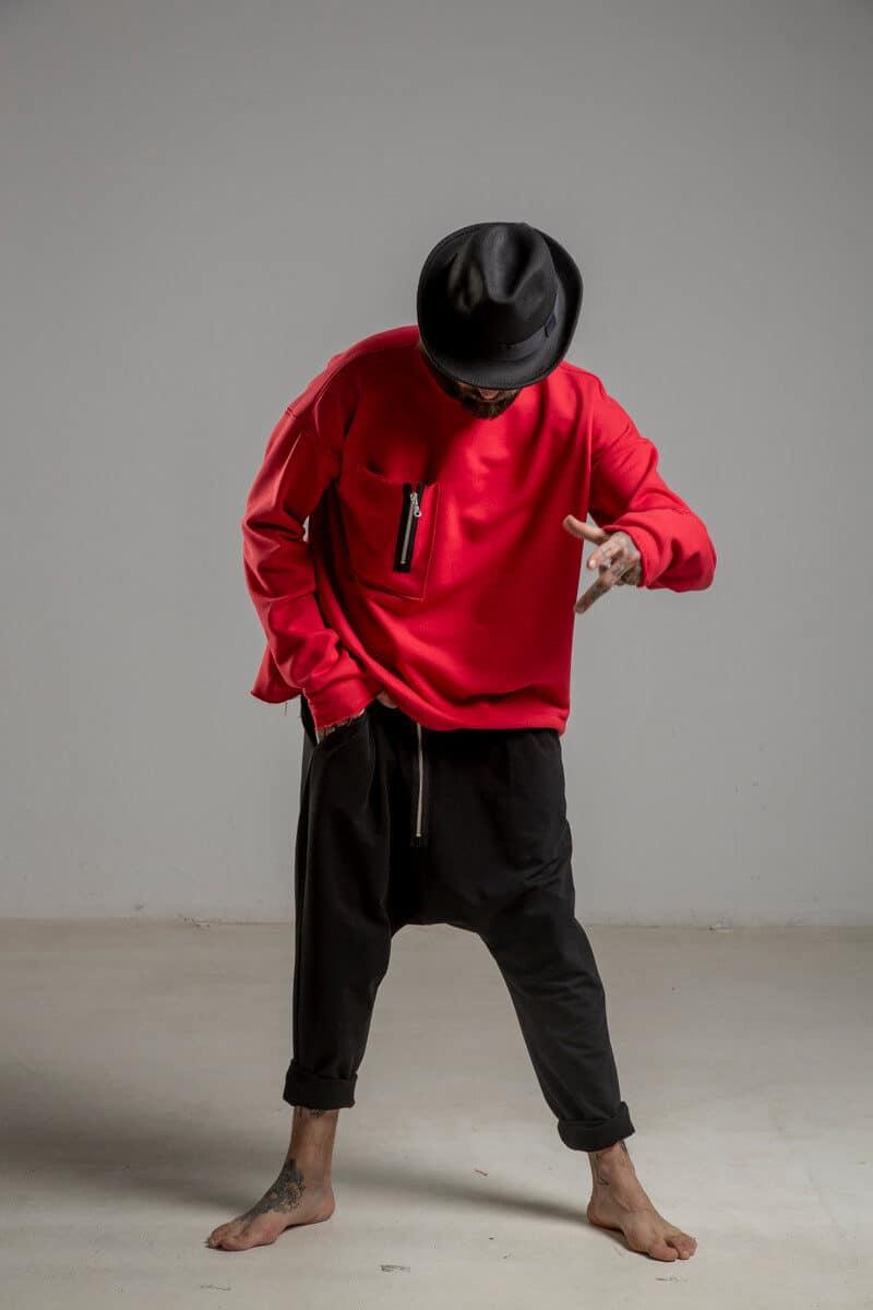 delCane-czerwona-bluza-bawelniana-przez-glowe-przod 1