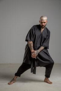 delcane kimono jedwabne TOKYO black him przod 3m