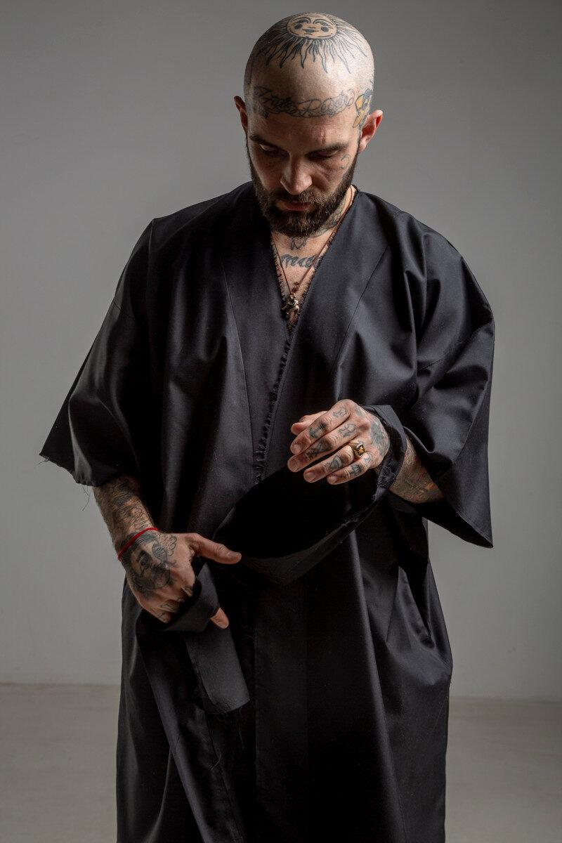 delcane kimono jedwabne TOKYO black him przod detal 1m