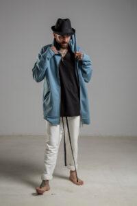 delcane niebieska bluza z kapturem TOKYO blue man przod 1m