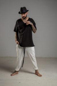 delcane tshirt czarny w serek TOKYO black II men przod 2m