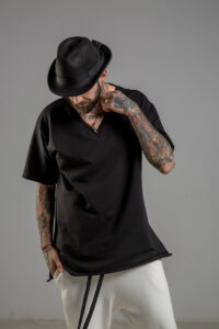 delcane tshirt czarny w serek TOKYO black II men przod 3m