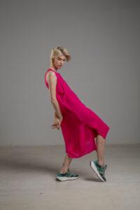 rozowa podwojna jedwabna sukienka bok 1m
